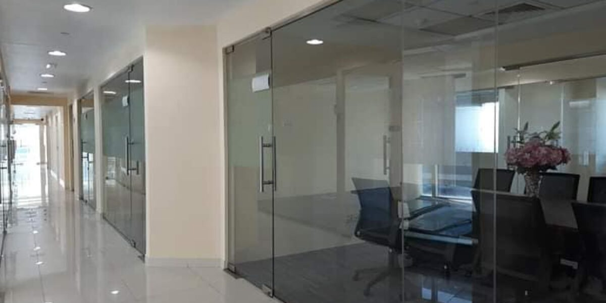 UOSTANDING OFFICES FOR RENT