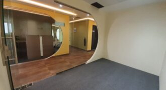 AFFORDABLE OFFICES IN A BEST BUSINESS CENTER