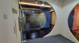 LOVELY OFFICES IN PRESTIGE TOWER 17